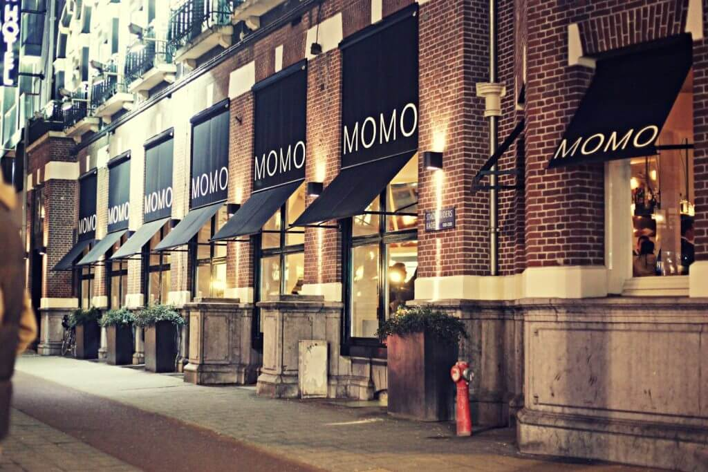 MOMO Restaurant Bar & Lounge at Park Hotel